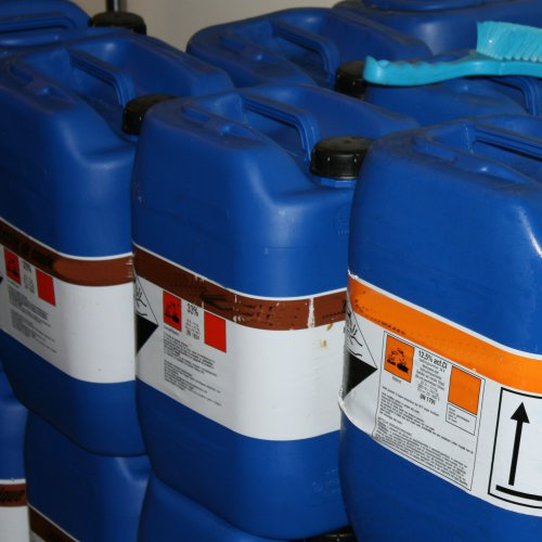 Transporting Small Quantities Of Chemicals, Paint And Solvents: 12th September 2014